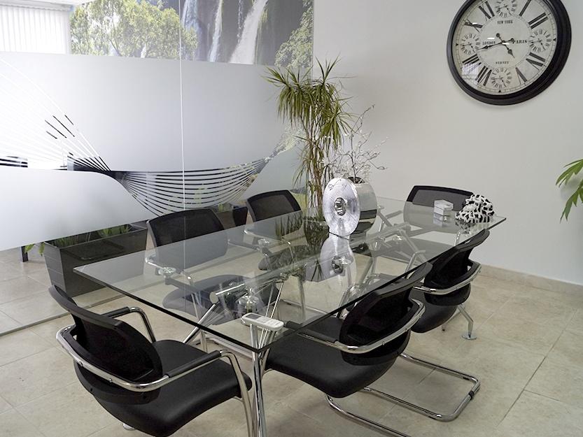 Sala de reuniones en las oficinas Blastrans